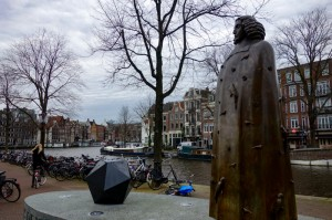 Bronze Spinoza seems approving
