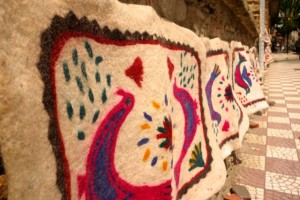 Hand-felted rugs in Tire