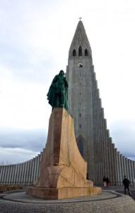Leif Erikson statue in front of imposing Hallgrímskirkja
