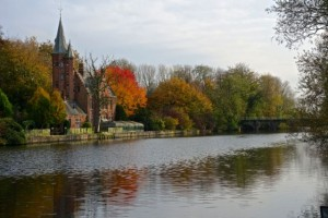 Minnewater Castle along the outer ring canal
