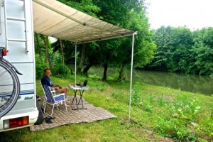 """Our """"office"""" along the banks of the Yantra River"""