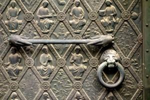 Medieval door handle and knob