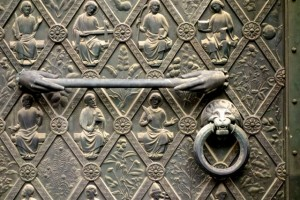 Medieval door handle and knob