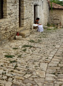 Lace making traditions thrive in Berat