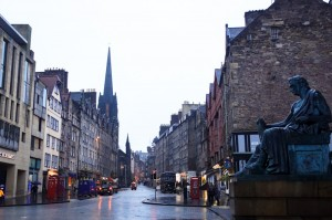 Another rainy day in wintery Edinburgh - this time, the Royal Mile