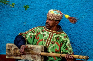 Gnawa musician in the Kasbah Oudayas